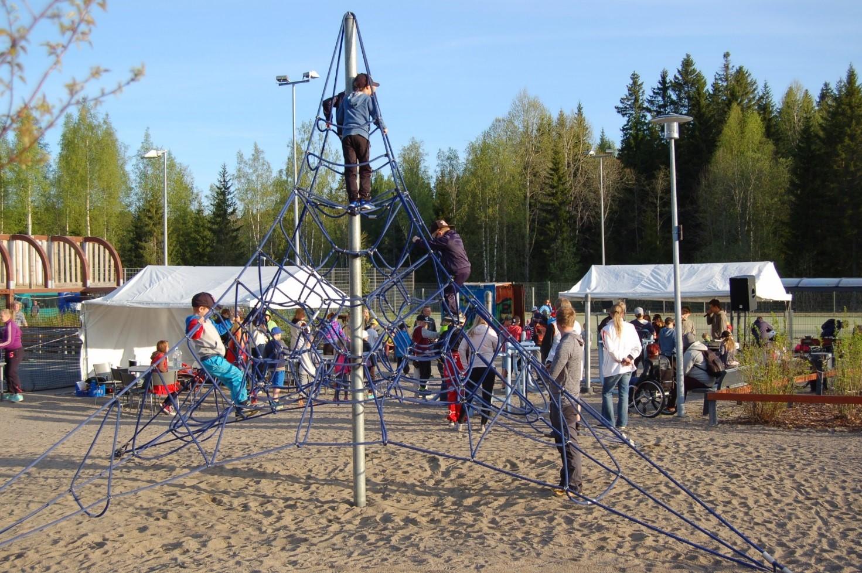 Kuopion nuorisopalvelut ja Humak järjestivät puiztopuuhapäivän